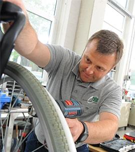 Job in der Werkstatt, Arbeiten in der Reha-Werkstatt, Sonderbauwerkstatt in Troisdorf